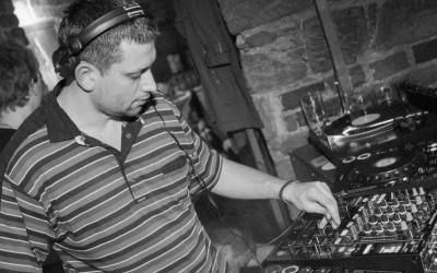 Poslechni si zářijový podcast od Makarova